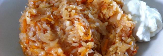Cabbage rice with yogurt sauce